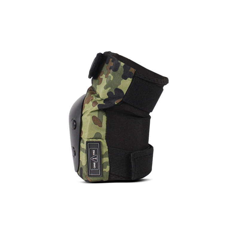 1-TRI Adult Pad Set Camo